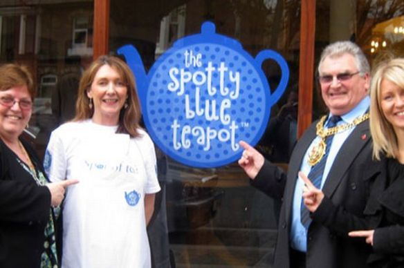 launch-of-the-spotty-blue-teapot-in-hoylake-238717973-3271154