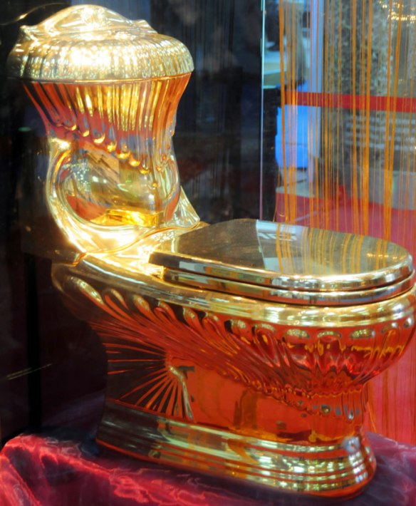 Golden-toilet_682_1412928a